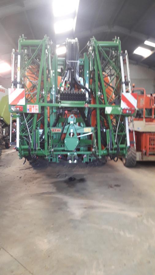 Amazone 27m / 1800L met fronttank